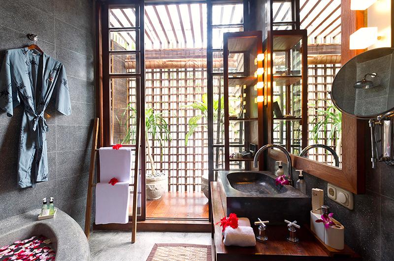 Villa Nataraja Ensuite Bathroom | Sanur, Bali