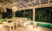Villa Santai Nusa Lembongan Pool Side Dining | Nusa Lembongan, Bali