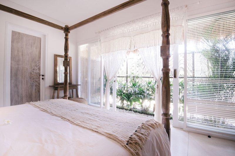 Villa Santai Nusa Lembongan Bedroom and Balcony | Nusa Lembongan, Bali
