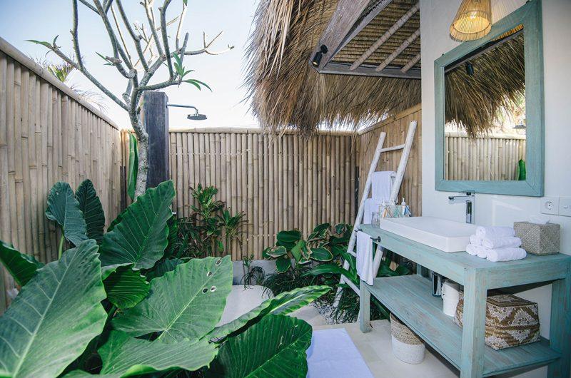 Villa Santai Nusa Lembongan Bathroom | Nusa Lembongan, Bali