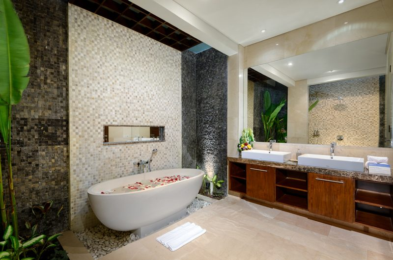 Villa Sophia Legian Bathtub | Legian, Bali