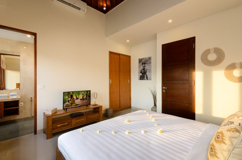 Villa Sophia Legian Bedroom and En-suite Bathroom | Legian, Bali