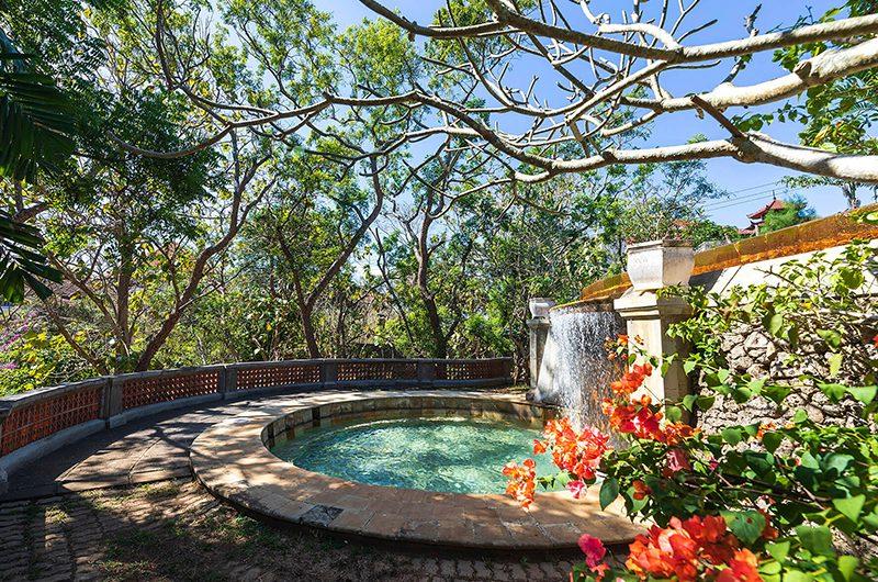 Villa Waru Small Pool | Nusa Dua, Bali