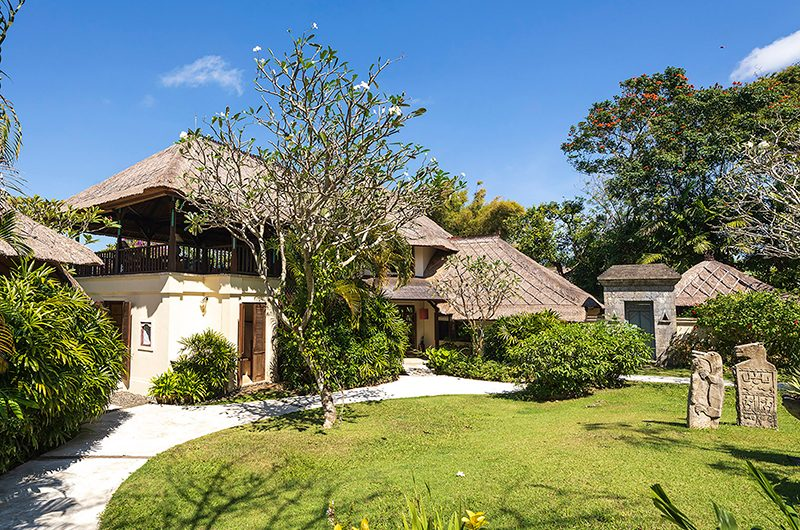 Villa Waru Garden Area | Nusa Dua, Bali