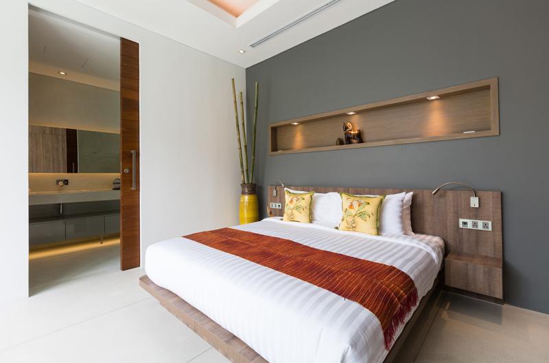 Villa Anar Bedroom and En-suite Bathroom | Bang Por, Koh Samui