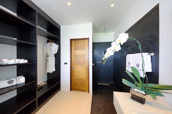 Villa Kamelia Spacious Bathroom   Bophut, Koh Samui