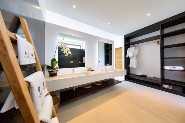 Villa Kamelia Bathroom with Wardrobe | Bophut, Koh Samui