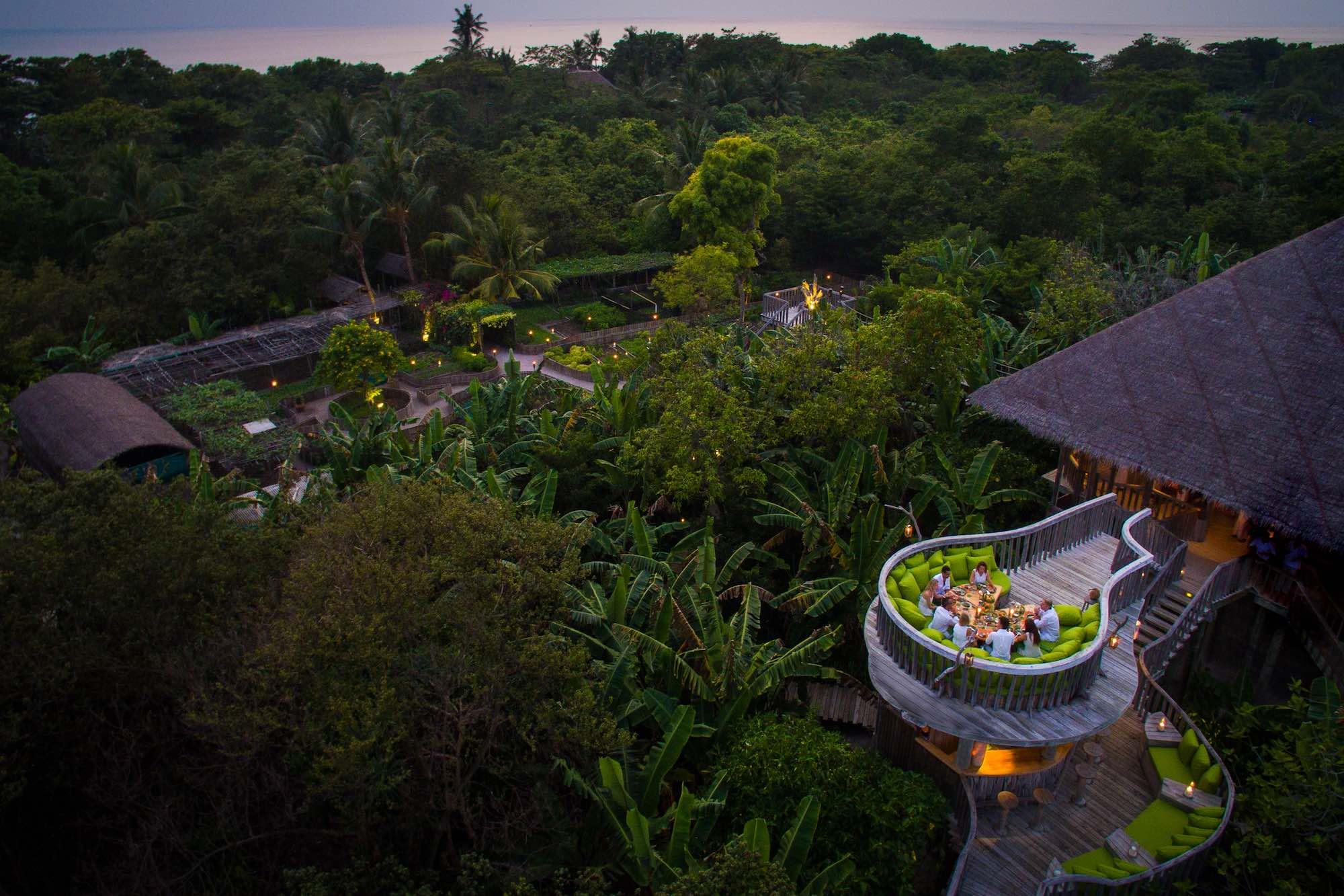 Extravagant Restaurants in the Maldives