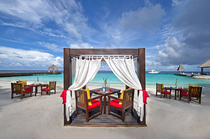 Maldives Jumeirah Vittaveli MU Beach Bar