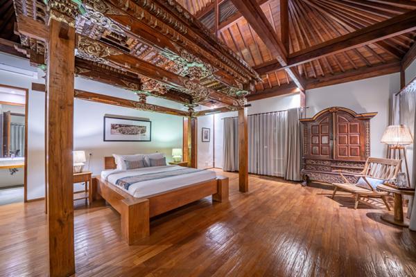 Villa Amita Balinese Style Bedroom with Seating | Canggu, Bali