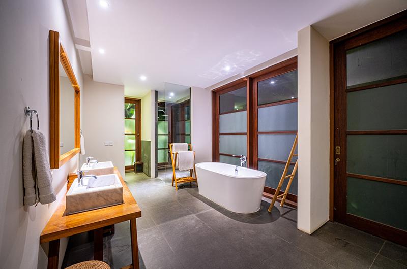 Villa Amita Indoor Bathtub | Canggu, Bali