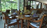 Villa Perle Dining Area | Candidasa, Bali