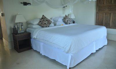 Villa Perle King Size Bed | Candidasa, Bali