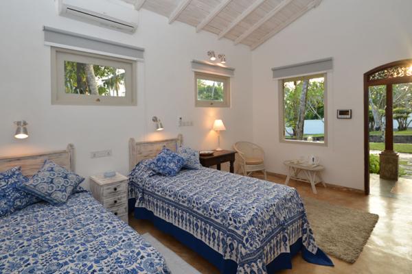 JH Villa Spacious Twin Bedroom | Habaraduwa, Sri Lanka