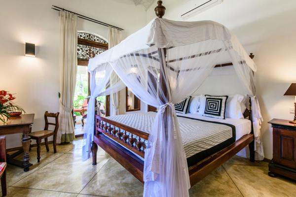 JH Villa Bedroom with Four Poster Bed | Habaraduwa, Sri Lanka