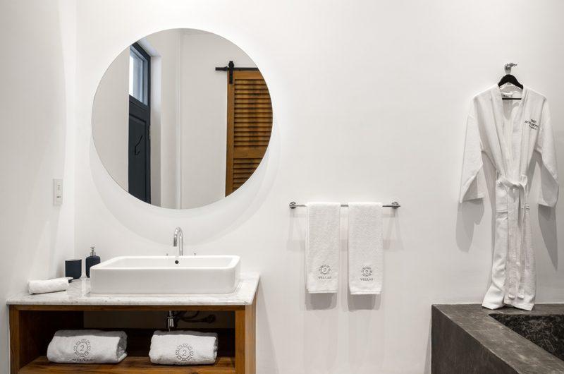 The Boat House Bathroom with Bathtub | Dickwella, Sri Lanka