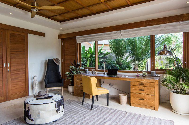 Villa Breeze Study Table | Canggu, Bali