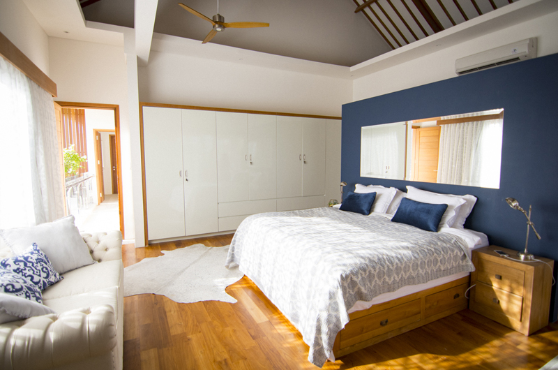 Villa Breeze King Size Bed with Sofa | Canggu, Bali
