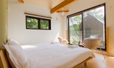 Gakuto Villas Twin Bedroom with View   Hakuba, Nagano