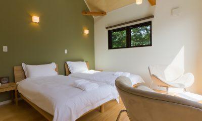 Gakuto Villas Twin Bedroom   Hakuba, Nagano