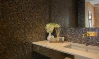 Raku Samui Guest Bathroom | Maenam, Koh Samui