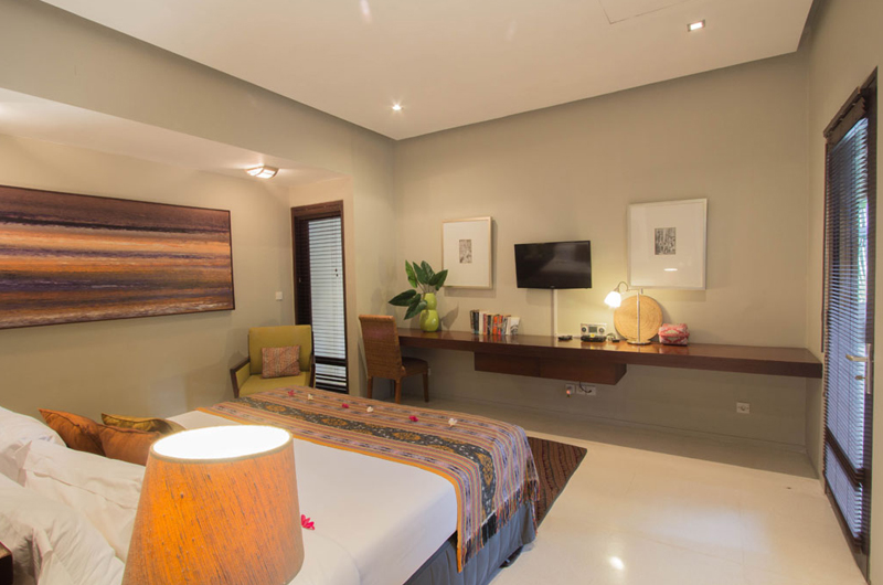 Chimera Green Bedroom with TV | Seminyak, Bali