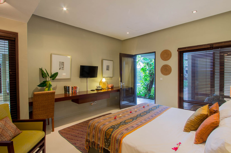 Chimera Green Bedroom with Garden View | Seminyak, Bali