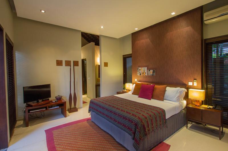 Chimera Orange Bedroom with TV | Seminyak, Bali