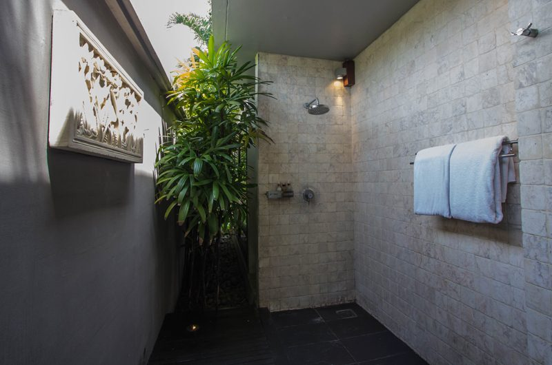 Chimera Orange Semi Open Bathroom | Seminyak, Bali