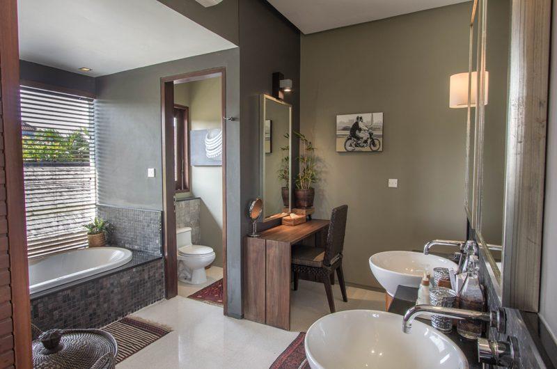 Chimera Tiga En-suite Bathroom   Seminyak, Bali
