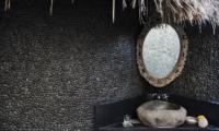 Africa House Bathroom | Bali, Seminyak