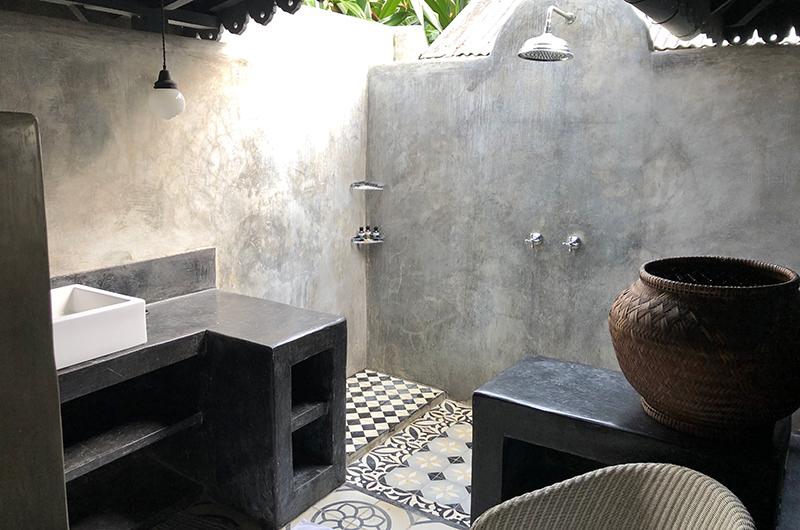 Garden House Shower Area | Seminyak, Bali