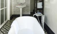 Pandan House Bathtub | Bali, Seminyak