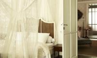 White House Bedroom | Bali, Seminyak