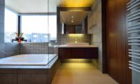 Panorama Bathroom with Bathtub | Lower Hirafu Village, Niseko