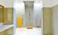 Blue Heights Spacious Bathroom | Dickwella, Sri Lanka