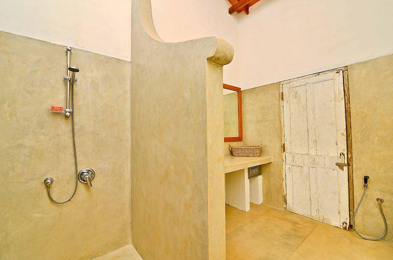 Blue Heights Bathroom | Dickwella, Sri Lanka