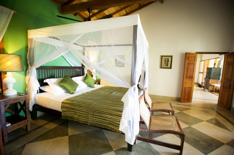 Wetakeiya House King Size Bed | Dickwella, Sri Lanka