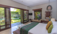 Chimera Green Spacious Bedroom with Seating | Seminyak, Bali
