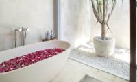 Lataliana Villa One Romantic Bathtub | Seminyak, Bali