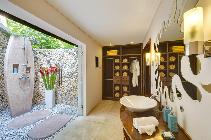 Lataliana Villa Two Semi Open Bathroom | Seminyak, Bali