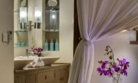 Lataliana Villa Two Bathroom | Seminyak, Bali