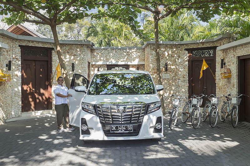 Bali Seminyak Lataliana Villa Car Bikes