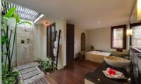 Villa Kalimaya Villa Kalimaya One En-suite Bathroom with Bathtub   Seminyak, Bali