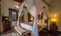 Villa Kalimaya Villa Kalimaya Three Bedroom with Table Lamps | Seminyak, Bali