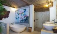 Villa Rabu Bathroom with Bathtub | Seminyak, Bali