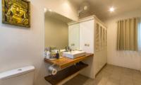 Villa Rasi En-suite Bathroom | Seminyak, Bali