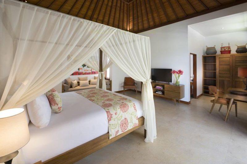 Villa Sol Y Mar Bedroom with TV | Uluwatu, Bali