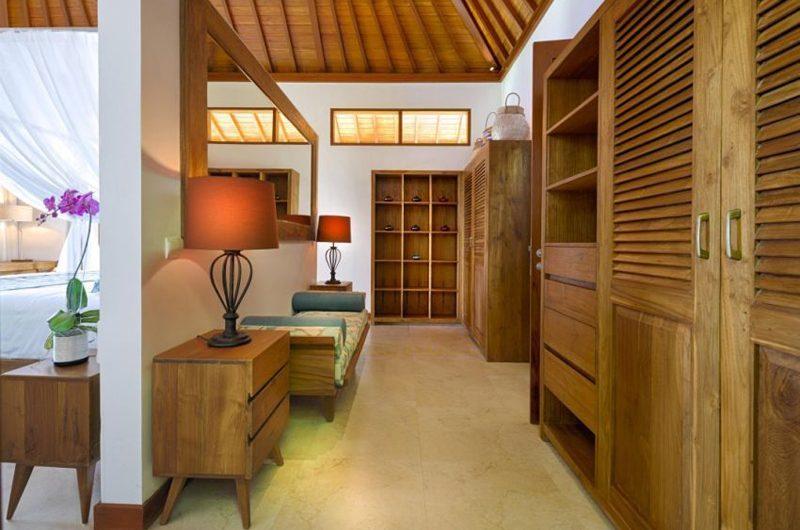 Villa Sol Y Mar Walk-In Wardrobe | Uluwatu, Bali