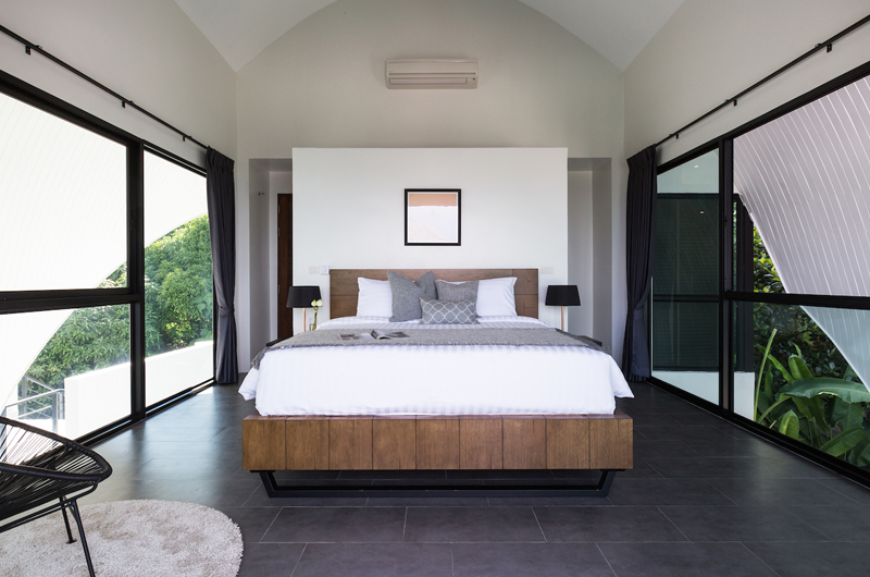 Villa Shadow Bedroom with Table Lamps | Chaweng, Koh Samui